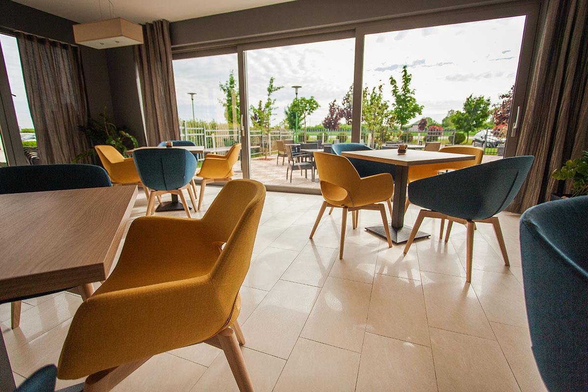 Hotel-Zelenkrov---kavana3